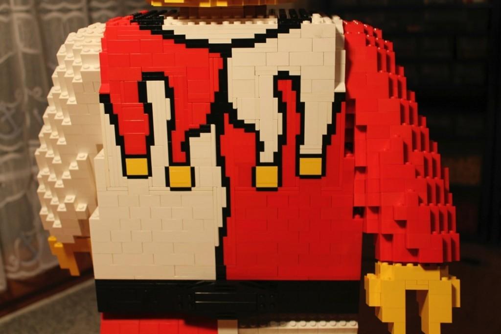 Oberkörper der Legoskulptur