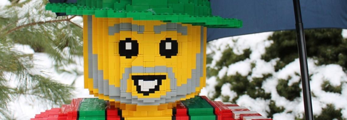 Minifig Skulptur aus Lego