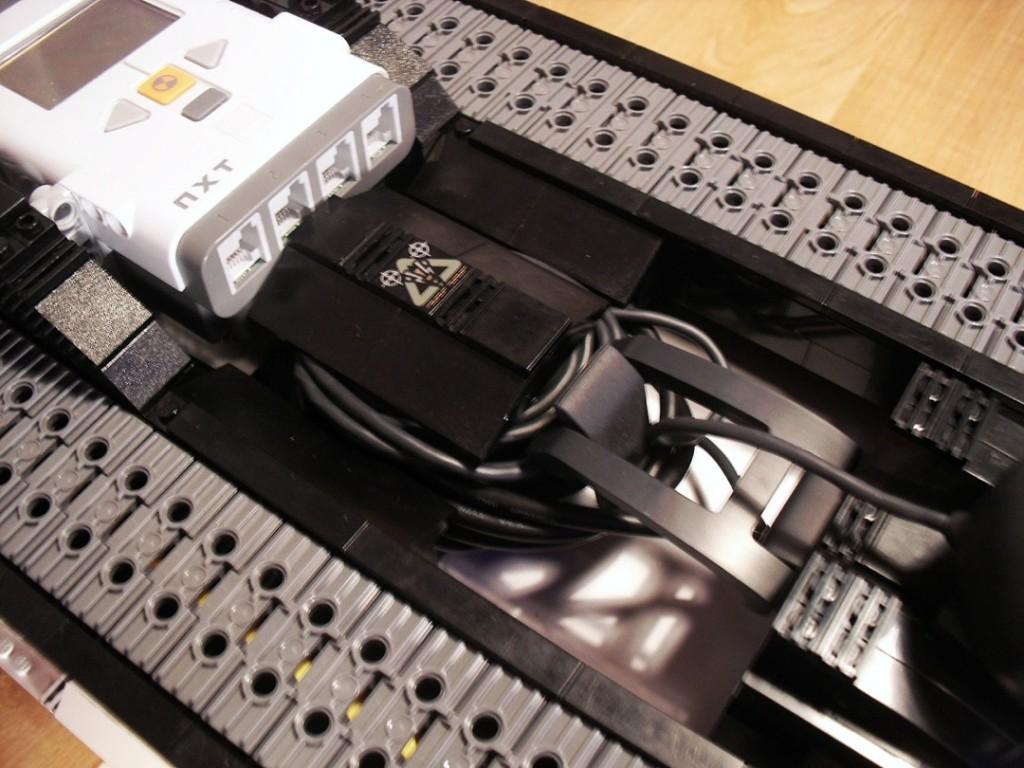 Kabelorganisation und Mindstorms NXT-Stein