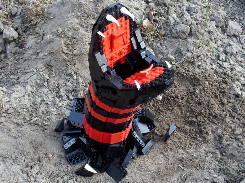 Lego Schlangenangriff