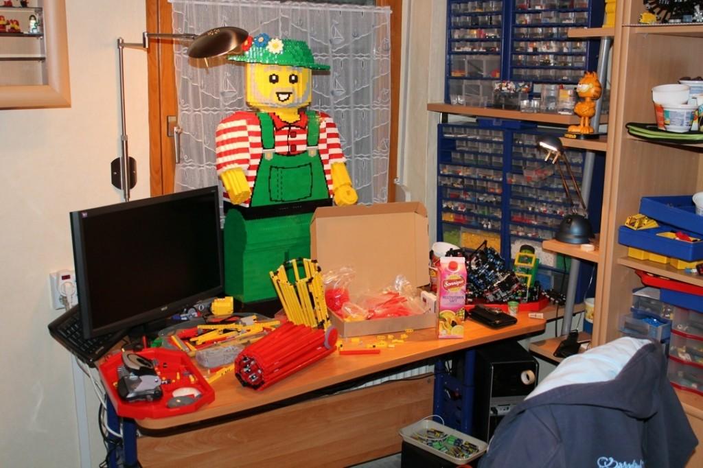 Gärtner in der Legowerkstatt