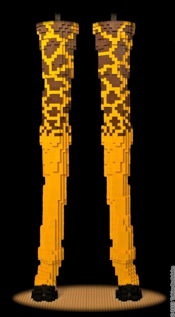 Vorderbeine der Lego-Giraffe