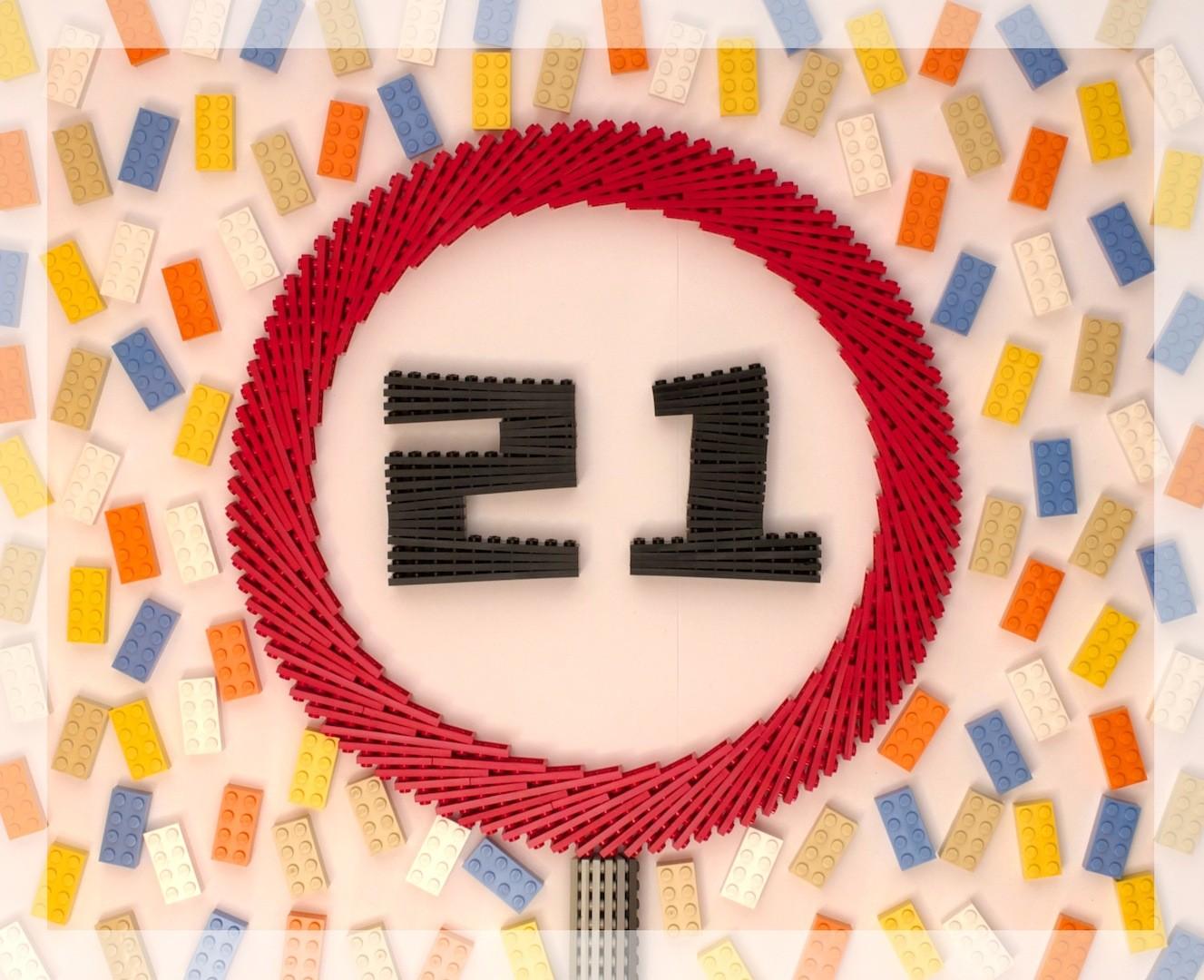 Lego 21