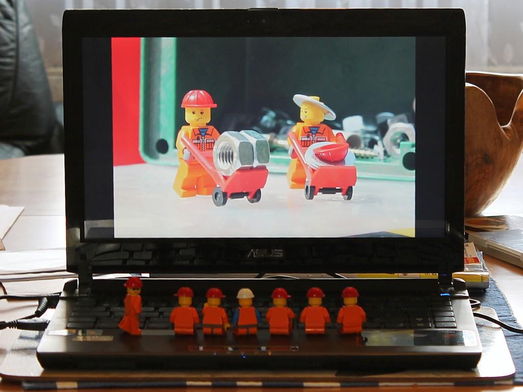Minifiguren schauen Diashow