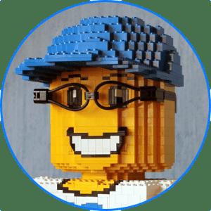 Skulptur einer Legofigur