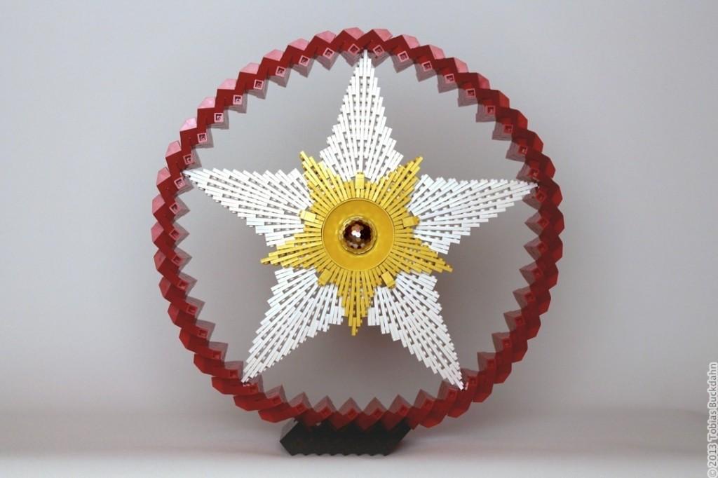 Legoskulptur eines Sterns
